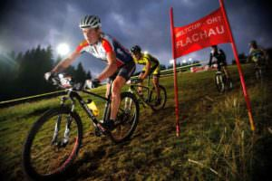 Mountainbike-by-night-Flachau